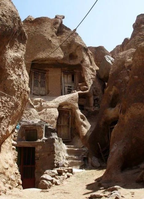 A-700-year-old-home-in-Iran - ryuklemobi